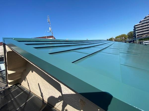 東京都中野区 T様邸 屋根塗装 破風板板金巻き (2)