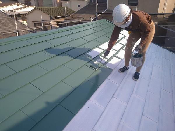 東京都中野区 T様邸 屋根塗装 破風板板金巻き 雪止めとは 下塗り (2)