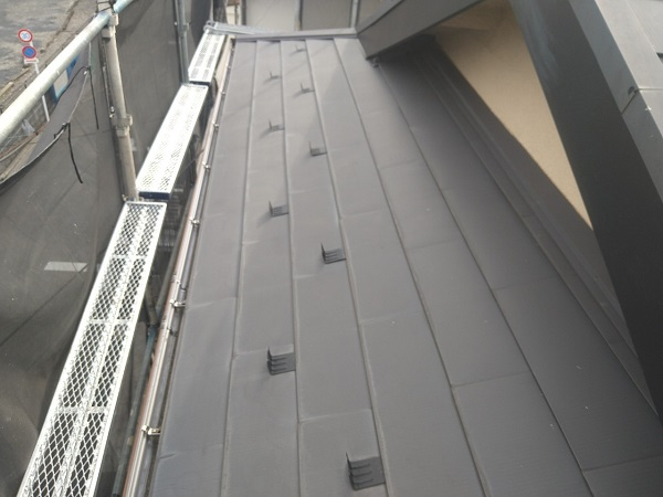 東京都中野区 T様邸 屋根塗装 破風板板金巻き1 (4)