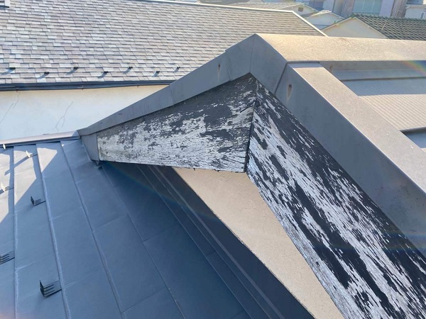東京都中野区 T様邸 屋根塗装 破風板板金巻き 破風板とは 破風板の役割 (2)