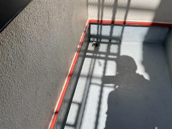 東京都世田谷区 B様邸 屋根塗装・外壁塗装・付帯部塗装・防水工事 軒天、ベランダの水切り塗装 (11)