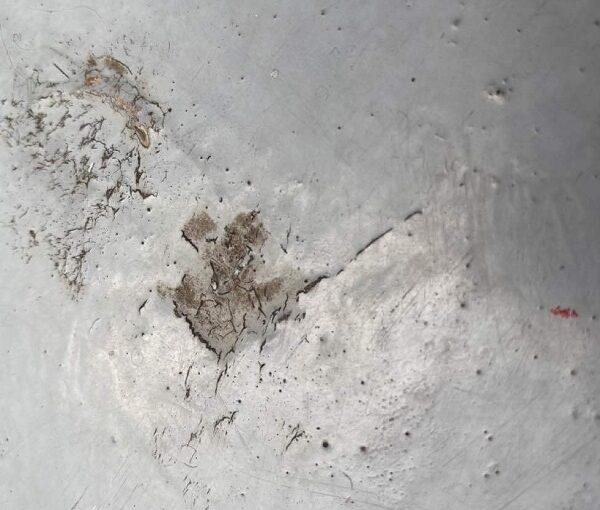 東京都世田谷区 B様邸 屋根塗装・外壁塗装・付帯部塗装・防水工事 施工前の状態 モルタルのひび割れ(クラック) (7)