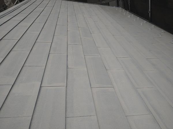 東京都中野区 T様邸 屋根塗装 破風板板金巻き 錆びの恐ろしさ ケレン作業 (4)