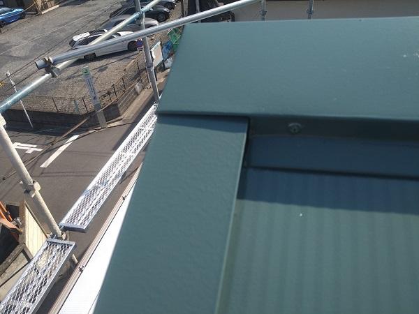 東京都中野区 T様邸 屋根塗装 破風板板金巻き 3度塗り 中塗りが必要な理由 (9)