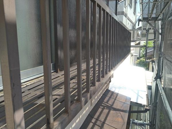 東京都世田谷区 K様邸 屋根塗装・付帯部塗装・劣化補修 金属製のベランダ、換気フードの塗装 (12)