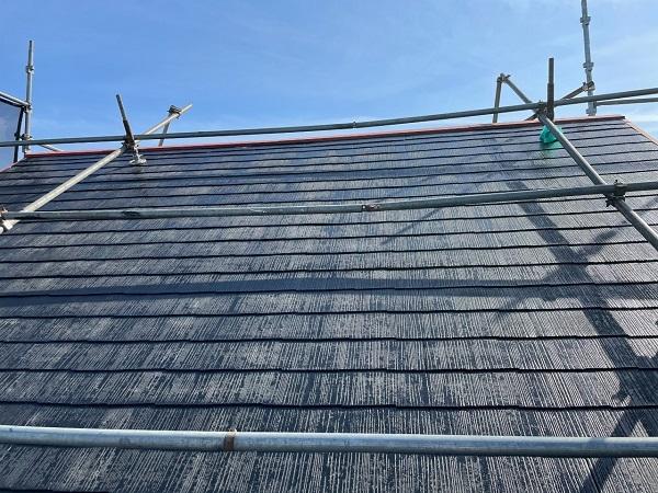 東京都世田谷区 B様邸 屋根塗装・外壁塗装・付帯部塗装・防水工事 化粧スレート屋根塗装 下塗り タスペーサー設置 (1)