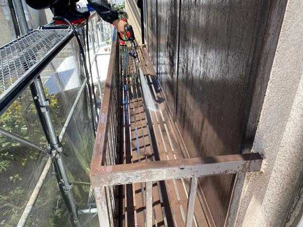 東京都世田谷区 K様邸 屋根塗装・付帯部塗装・劣化補修 下地処理 高圧洗浄 (2)