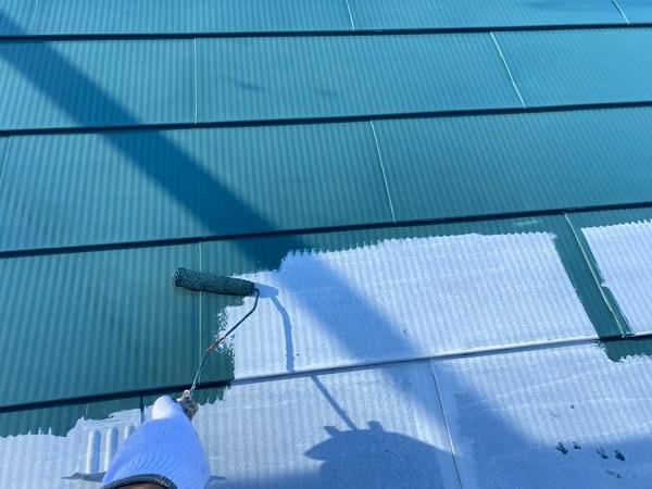 東京都世田谷区 K様邸 屋根塗装・付帯部塗装・劣化補修 屋根中塗り、上塗り 日本ペイント デュフロン4Fルーフ (7)