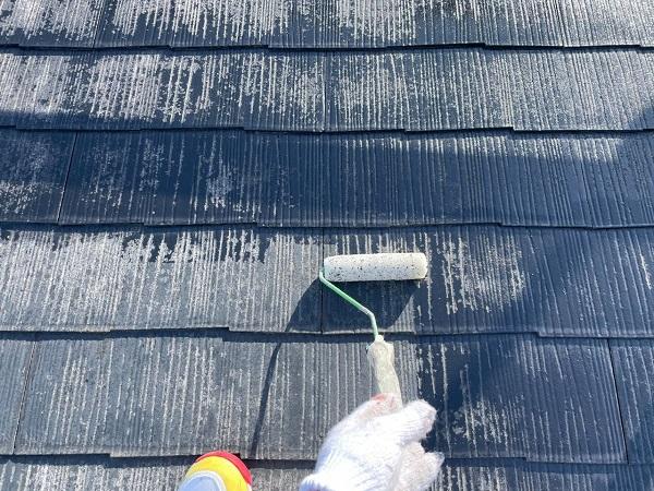 東京都世田谷区 B様邸 屋根塗装・外壁塗装・付帯部塗装・防水工事 化粧スレート屋根塗装 下塗り タスペーサー設置 (5)