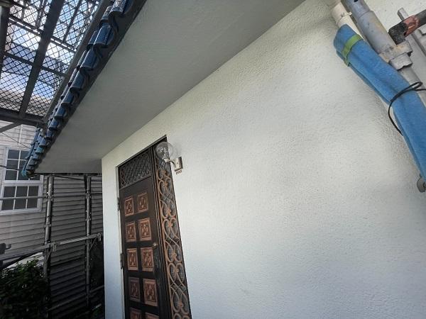 東京都世田谷区 T2様邸 屋根塗装・外壁塗装・防水工事 外壁中塗り・上塗り 日本ペイント パーフェクトトップ (9)
