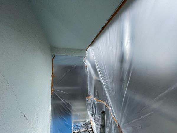 東京都世田谷区 T2様邸 屋根塗装・外壁塗装・防水工事 養生 シーリング工事 (2)
