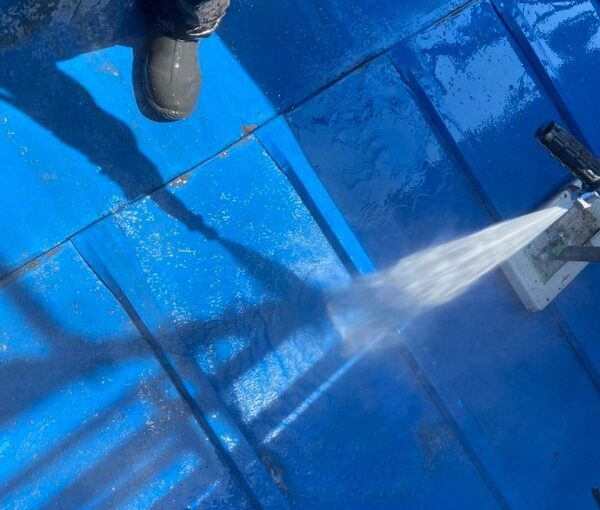 東京都世田谷区 T2様邸 屋根塗装・外壁塗装・防水工事 下地処理 高圧洗浄 (2)