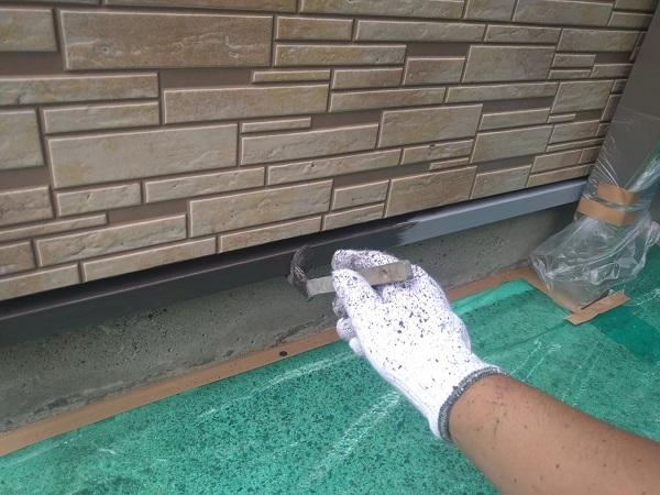 東京都大田区 アパート 屋根塗装・外壁塗装・付帯部塗装 水切り塗装、エアコンホースカバー塗装 (8)