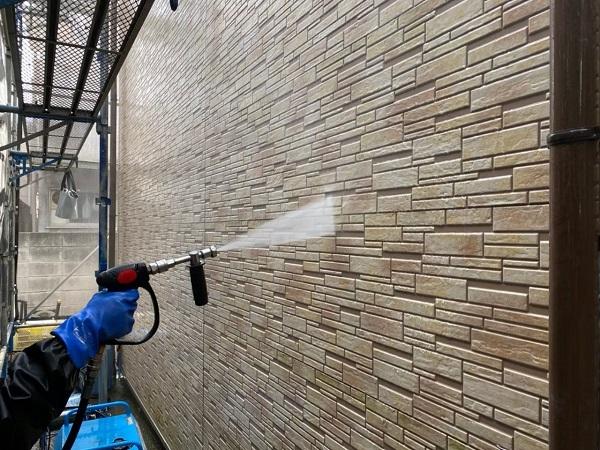 東京都大田区 アパート 屋根塗装・外壁塗装 下地処理 高圧洗浄 (1)