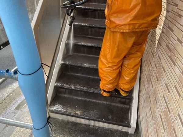 東京都大田区 アパート 屋根塗装・外壁塗装 下地処理 高圧洗浄 (5)