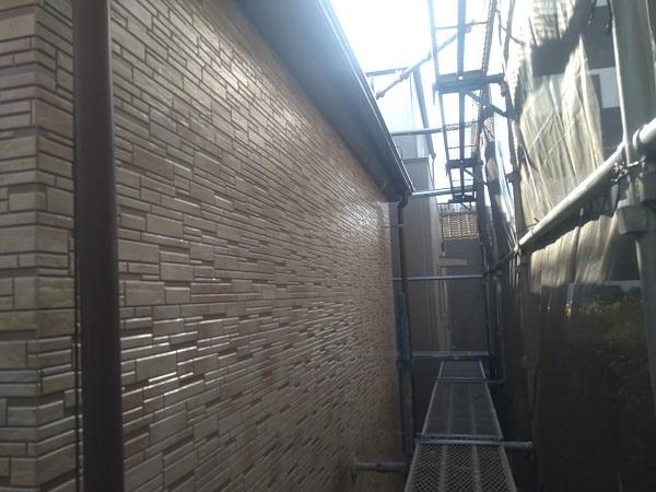 東京都大田区 アパート 屋根塗装・外壁塗装・付帯部塗装 養生  ピュアライドUVプロテクトクリヤー 日本ペイント (2)