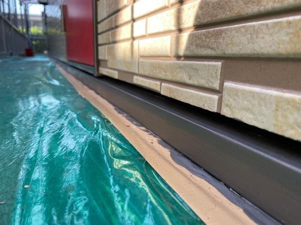 東京都大田区 アパート 屋根塗装・外壁塗装・付帯部塗装 水切り塗装、エアコンホースカバー塗装 (3)