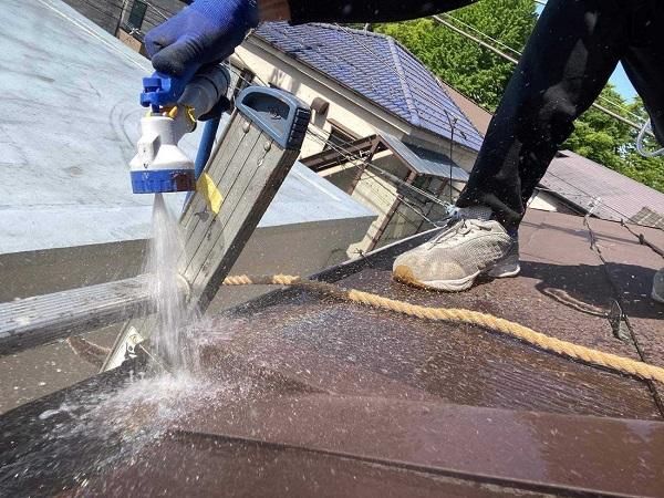 東京都北区 N様邸 雨漏り補修・屋根重ね葺き工事・外壁塗装 散水試 験施工前の状態 (17)