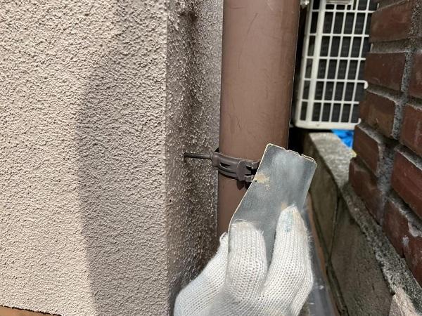 東京都北区 N様邸 雨漏り補修・屋根重ね葺き工事・外壁塗装 縦樋の塗装 DIYは可能か