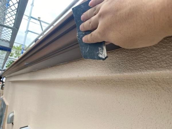 東京都北区 N様邸 雨漏り補修・屋根重ね葺き工事・外壁塗装 軒樋塗装 雨樋の色 (3)