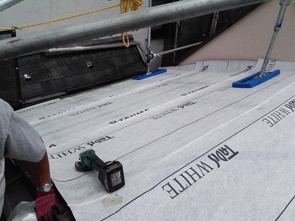 東京都北区 N様邸 雨漏り補修・屋根重ね葺き工事・外壁塗装 屋根の構造 ルーフィング2 (2)