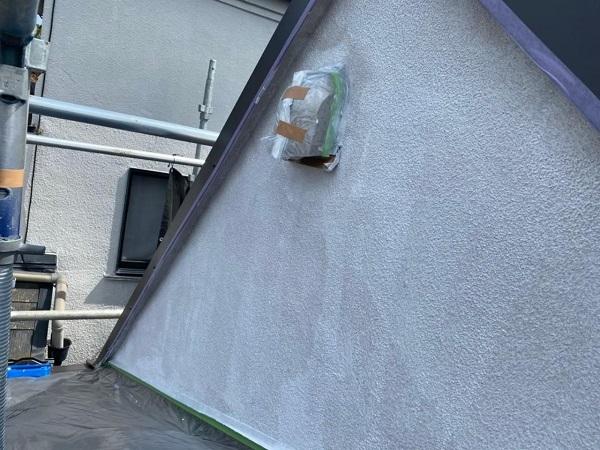東京都北区 N様邸 雨漏り補修・屋根重ね葺き工事・外壁塗装 下塗り 日本ペイント 水性カチオンシーラー (1)