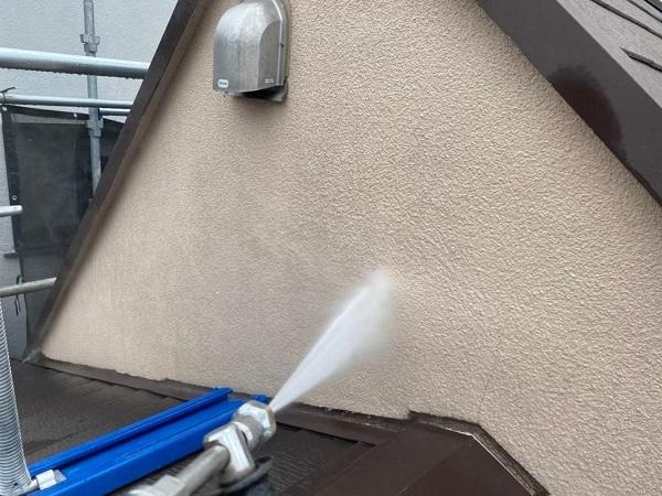 東京都北区 N様邸 雨漏り補修・屋根重ね葺き工事・外壁塗装 下地処理 高圧洗浄 (3)