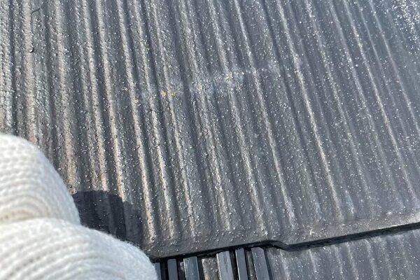 東京都杉並区 N様邸 屋根塗装・外壁塗装 化粧スレートで絶対必要な工程、縁切り タスペーサーとは (1)