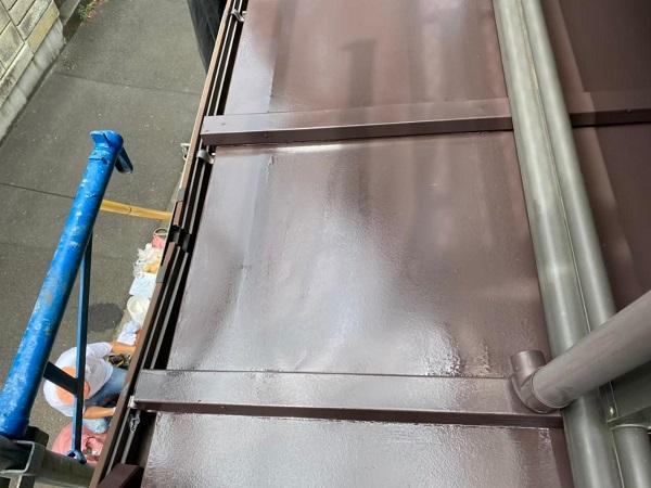 東京都北区 N様邸 雨漏り補修・屋根重ね葺き工事・外壁塗装 下屋の塗装 トタン
