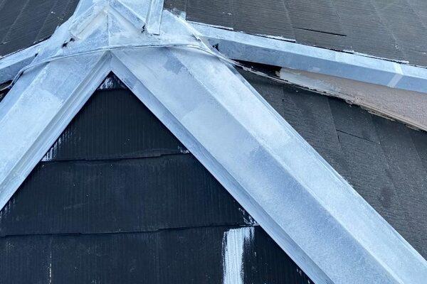 東京都杉並区 N様邸 屋根塗装・外壁塗装 棟板金とは何か 棟板金塗装、補修の工程 (2)